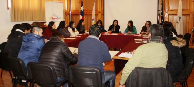 Oficina Municipal de Becas planifica acciones para acercar beneficios a estudiantes - Red Informativa Villarrica